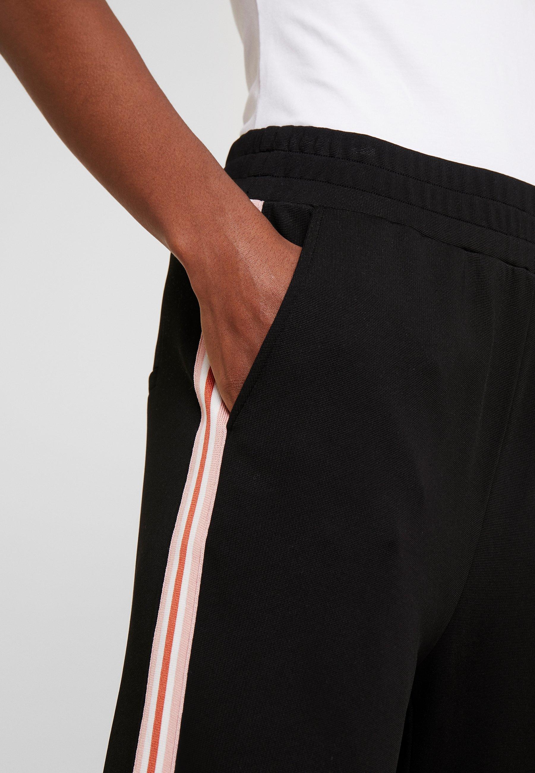 Kaffe KASIGNE PANTS - Spodnie materiałowe - black deep