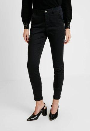 KAJANAH PANTS - Pantalon classique - black