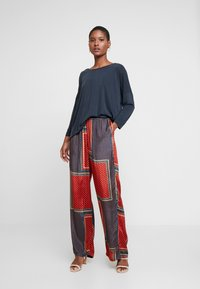 Kaffe - MEDA WIDE PANTS - Bukse - orion blue