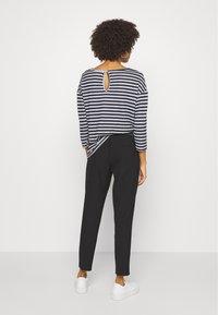 Kaffe - JENNA PANTS - Trousers - black deep - 0