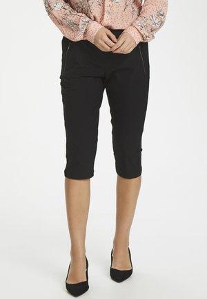 KAJILLIAN VILJA CAPRI PANTS - Shorts - black deep