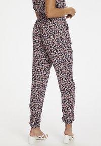 Kaffe - KAMARA PANTS - Trousers - aurora pink meadow - 2