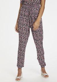 Kaffe - KAMARA PANTS - Trousers - aurora pink meadow - 0