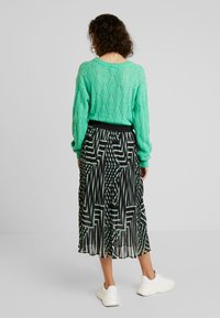 Kaffe - KADAMITA SKIRT - A-linjekjol - black deep/irish green - 2