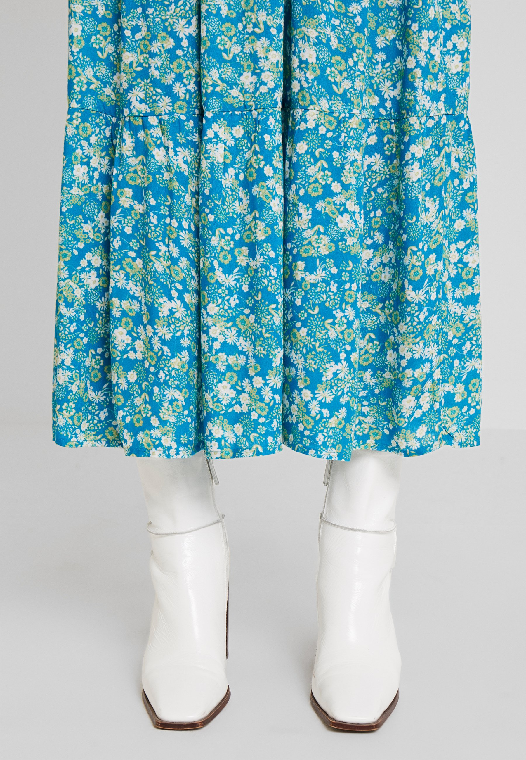 Kaffe ILLY SKIRT - Długa spódnica - mosaic blue