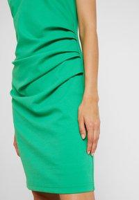 Kaffe - INDIA V-NECK - Pouzdrové šaty - fern green - 3