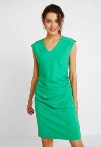 Kaffe - INDIA V-NECK - Pouzdrové šaty - fern green - 0