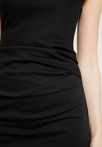 Kaffe - INDIA V-NECK DRESS - Etuikjoler - black deep - 5