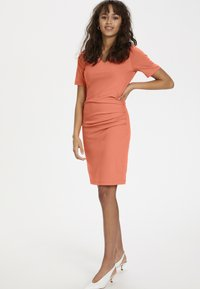 Kaffe - INDIA V-NECK - Tubino - living coral - 1