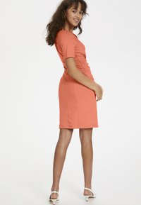 Kaffe - INDIA V-NECK - Tubino - living coral - 3