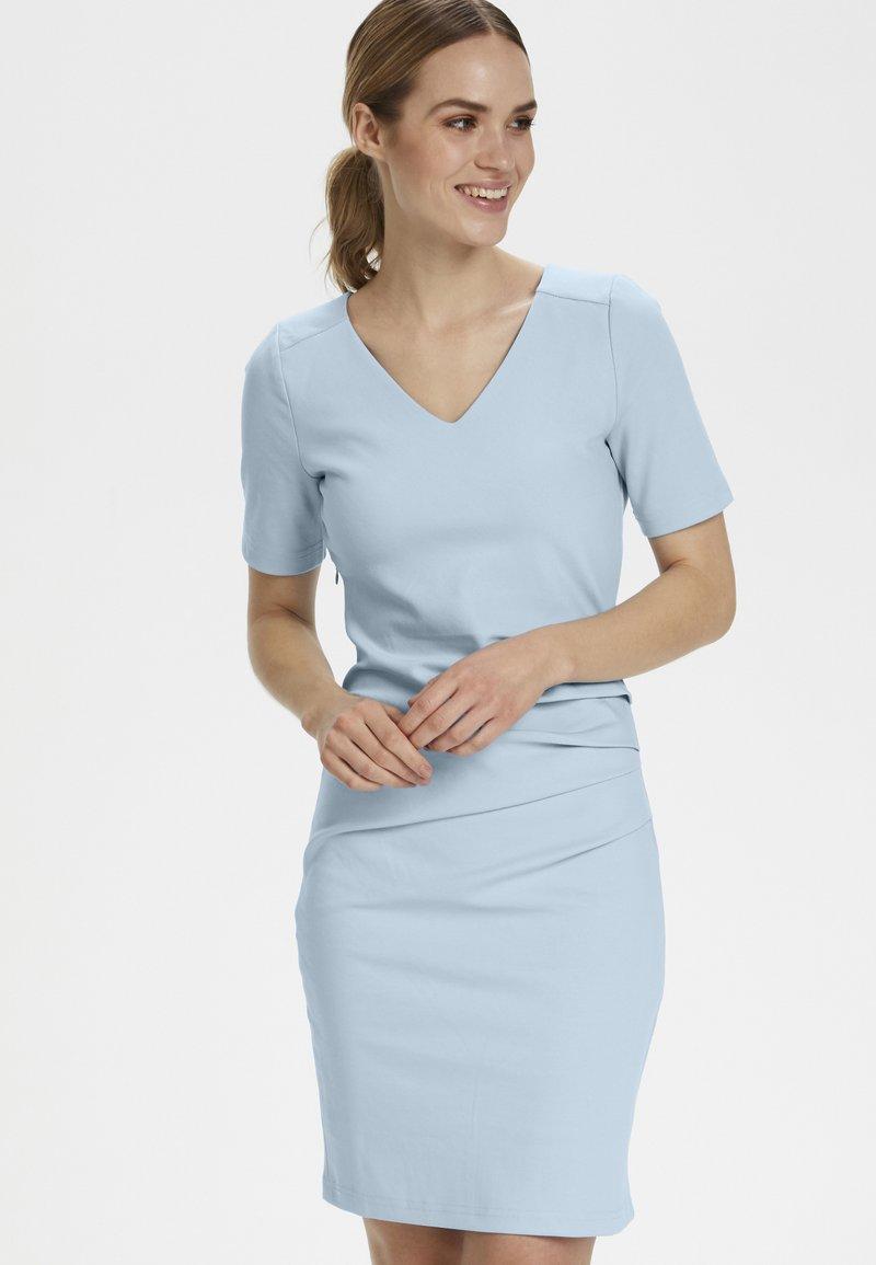 Kaffe - INDIA V-NECK - Shift dress - blue