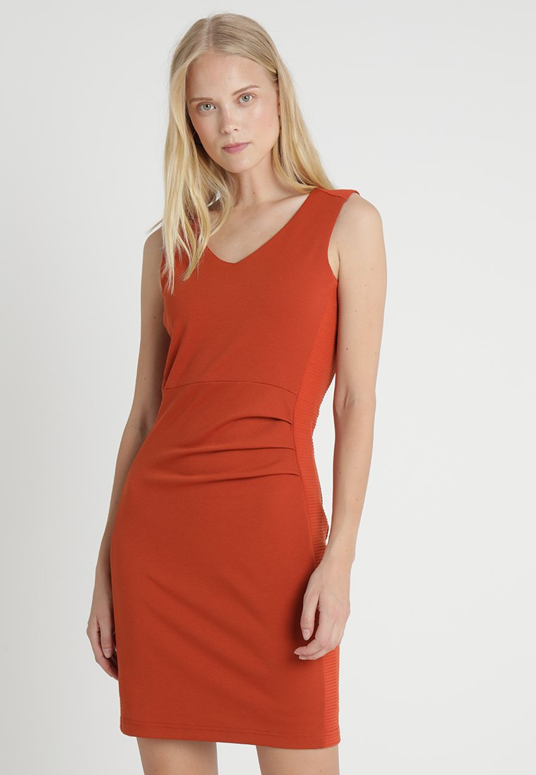 Kaffe - SARA DRESS - Etuikleid - picante