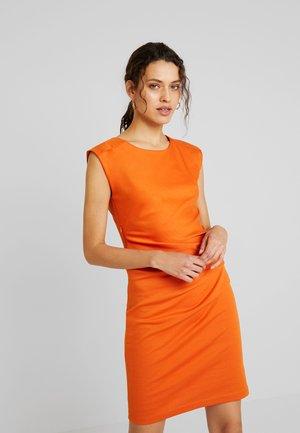 INDIA O NECK - Robe fourreau - burnt orange