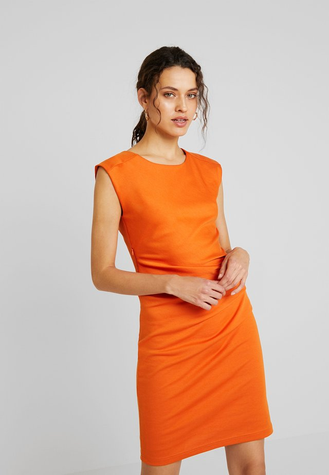 INDIA O NECK - Shift dress - burnt orange
