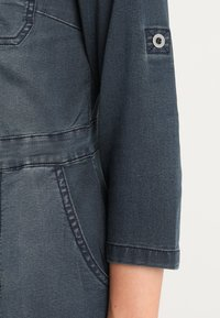 Cream - UNIFORM DRESS - Denim dress - royal navy blue - 6