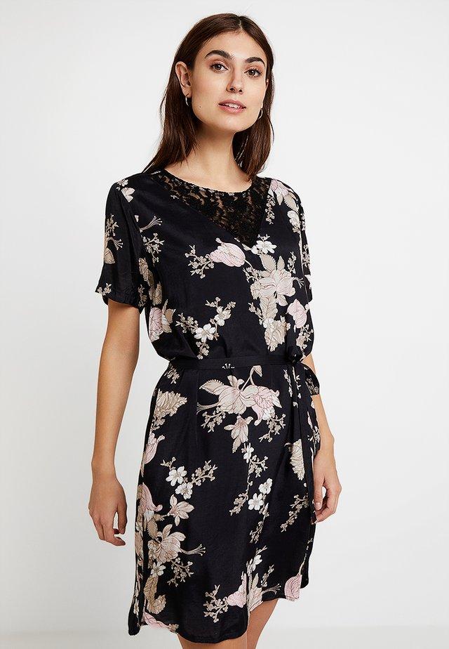 KAJILLI DRESS - Korte jurk - black deep