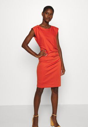 INDIA ROUND NECK DRESS - Tubino - chili