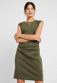 Kaffe - INDIA ROUND NECK DRESS - Shift dress - grape leaf - 0