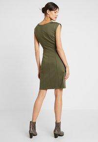 Kaffe - INDIA ROUND NECK DRESS - Shift dress - grape leaf - 2