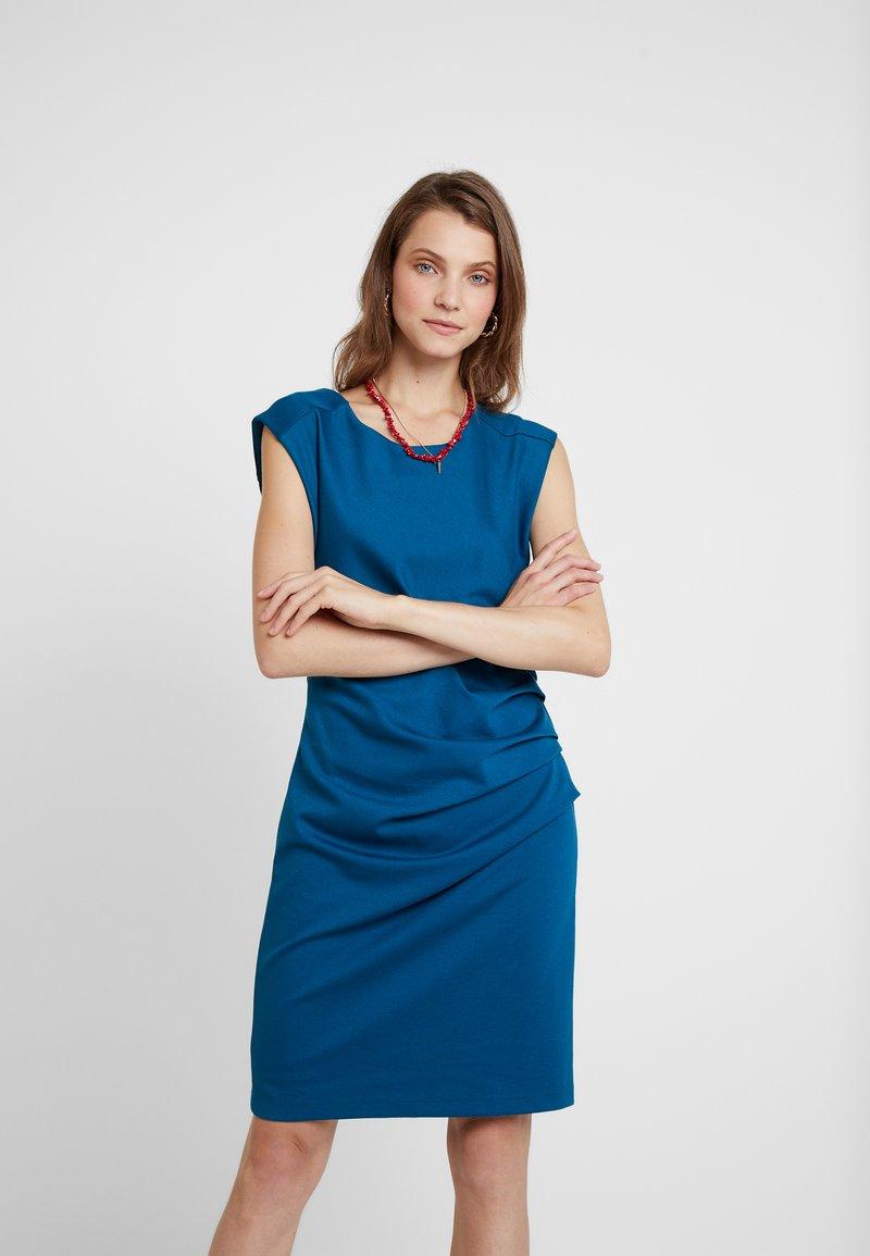 Kaffe - INDIA O NECK - Robe fourreau - moroccan blue