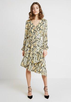 WRAP DRESS - Maxi dress - yellow cream