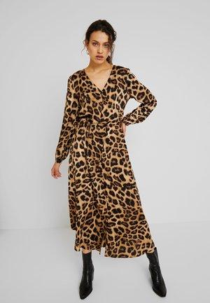 KAMARIE DRESS - Maxikjoler - brown