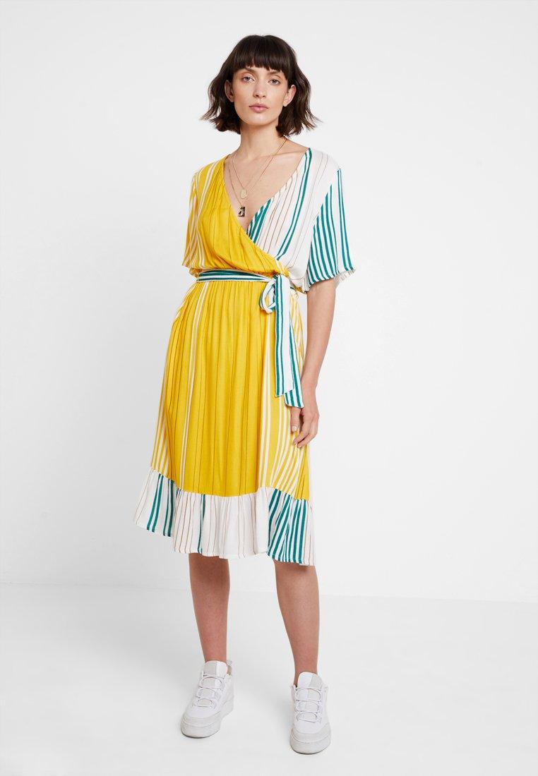 Kaffe - KAASTRID DRESS - Sukienka letnia - tidepool