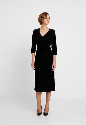 KAJULITA DRESS - Koktejlové šaty/ šaty na párty - black deep