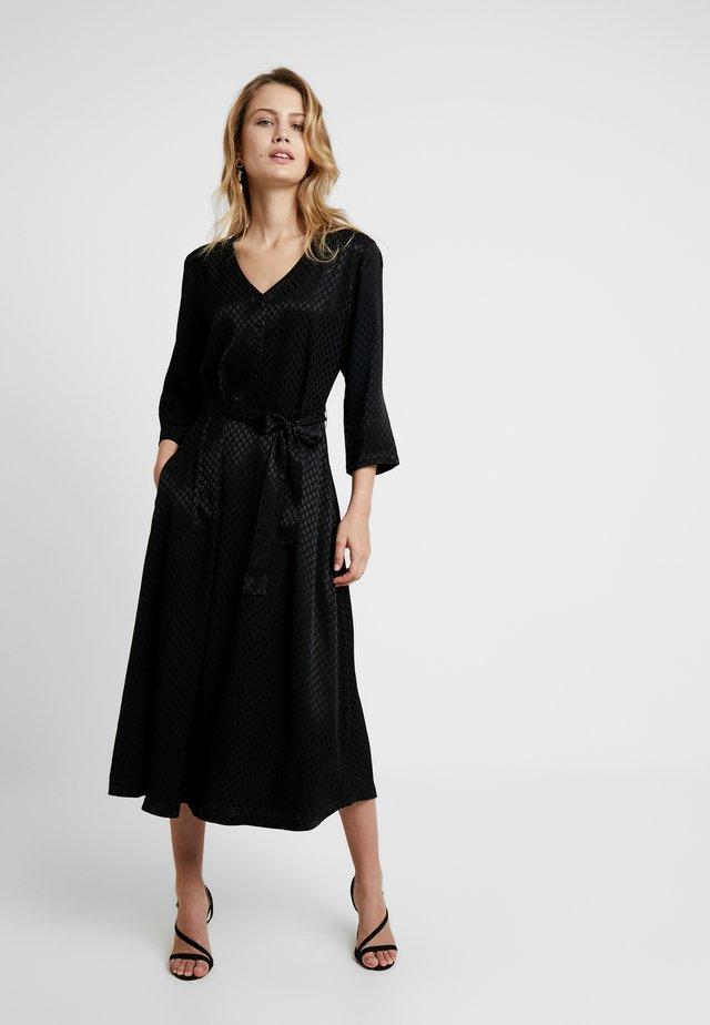 KAVELLA DRESS - Sukienka koszulowa - black deep