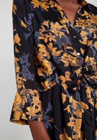 Kaffe - KAMILANA DRESS - Skjortekjole - black deep - 6