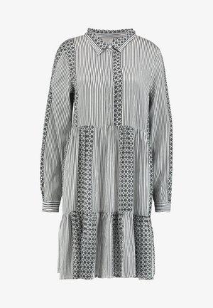 KANELLIKE DRESS - Skjortekjole - chalk