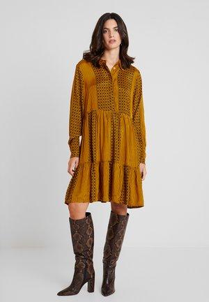 KANELLIKE DRESS - Shirt dress - buckthorn