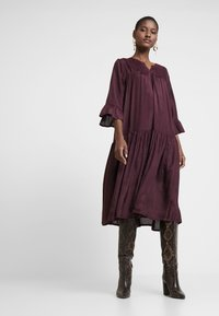 Kaffe - KATHEA 3/4 DRESS - Korte jurk - deep wine - 2