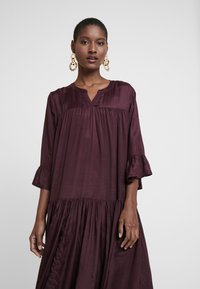Kaffe - KATHEA 3/4 DRESS - Korte jurk - deep wine - 4