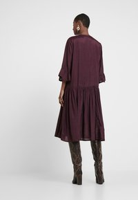 Kaffe - KATHEA 3/4 DRESS - Korte jurk - deep wine - 3