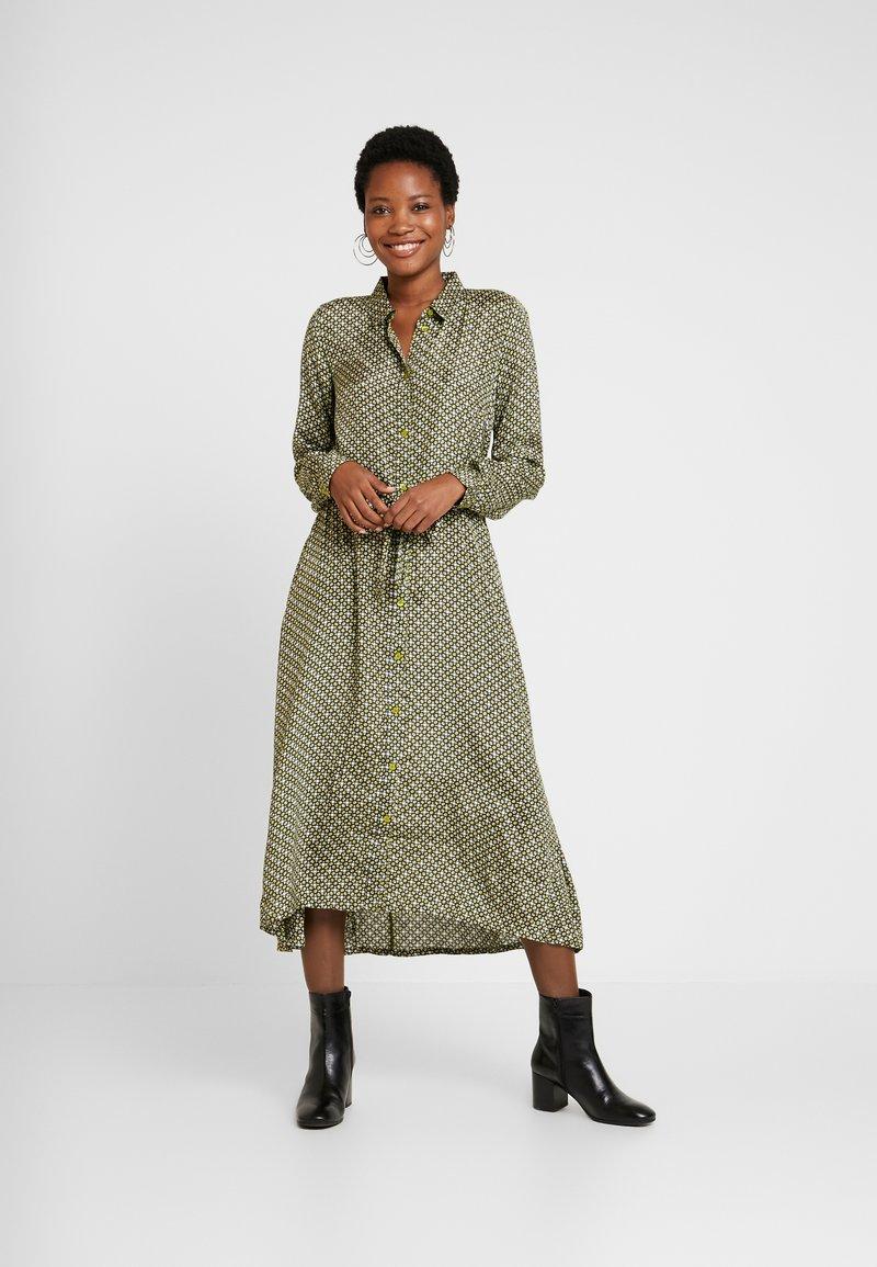 Kaffe - ILLO DRESS - Košilové šaty - moss