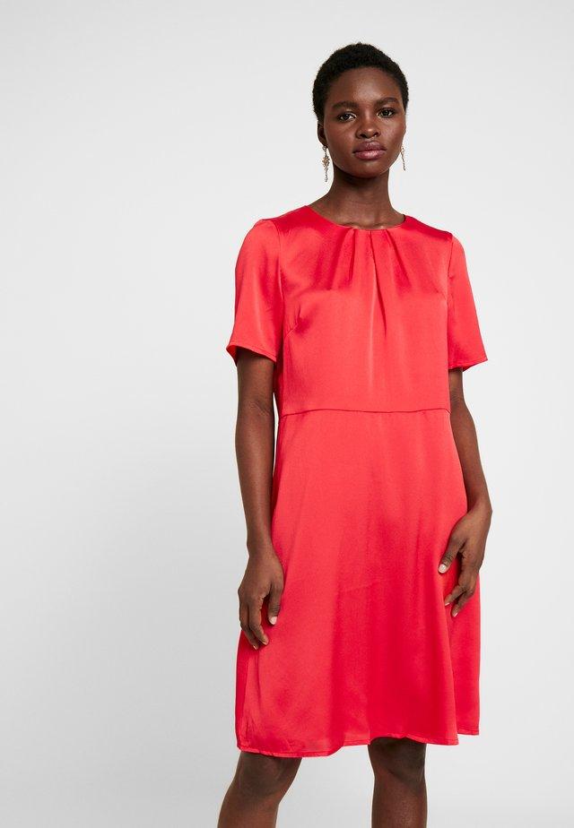 KAFOLDY DRESS - Sukienka letnia - high risk red