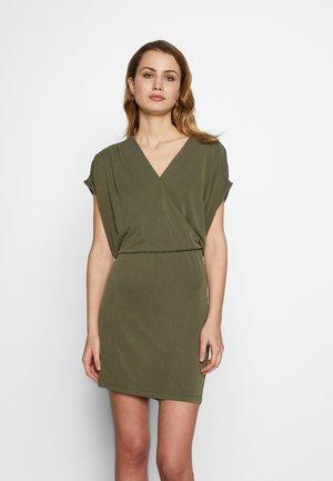KAMOLLY DRESS - Jerseyjurk - grape leaf