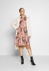 Kaffe - KABENITTE DRESS - Shirt dress - roebuck - 1
