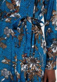 Kaffe - KADOTTI DRESS - Maxiklänning - moroccan blue - 6