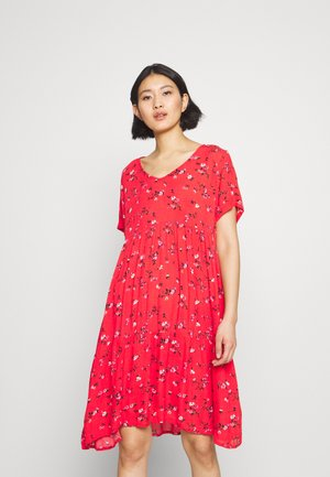 ESTA AMBER DRESS - Kjole - high risk red