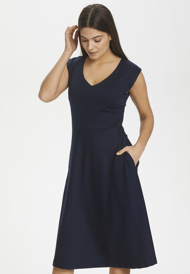 KAAMAYA DRESS - Jersey dress - midnight marine