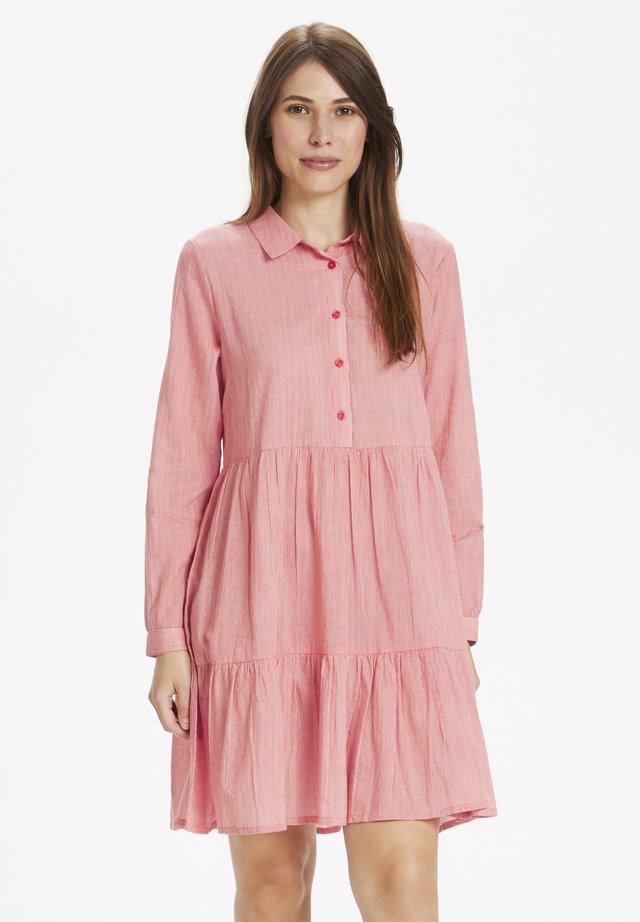 KAFFE KAVIVIAN DENIKE - Shirt dress - high risk red