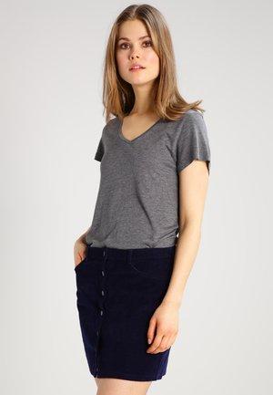 ANNA V NECK  - T-paita - dark grey melange