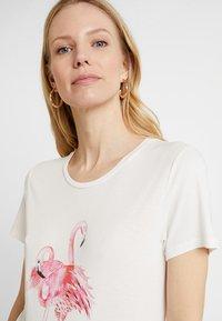 Kaffe - Print T-shirt - chalk - 4