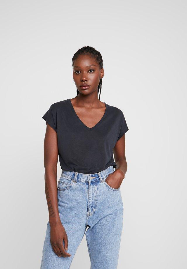 LISE - Basic T-shirt - washed black