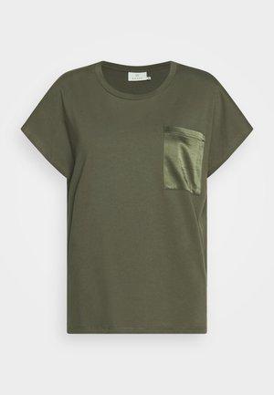 KABLANCA - T-shirt basique - grape leaf