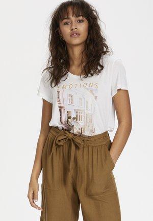 KARACHEL - Print T-shirt - white w. emotions print