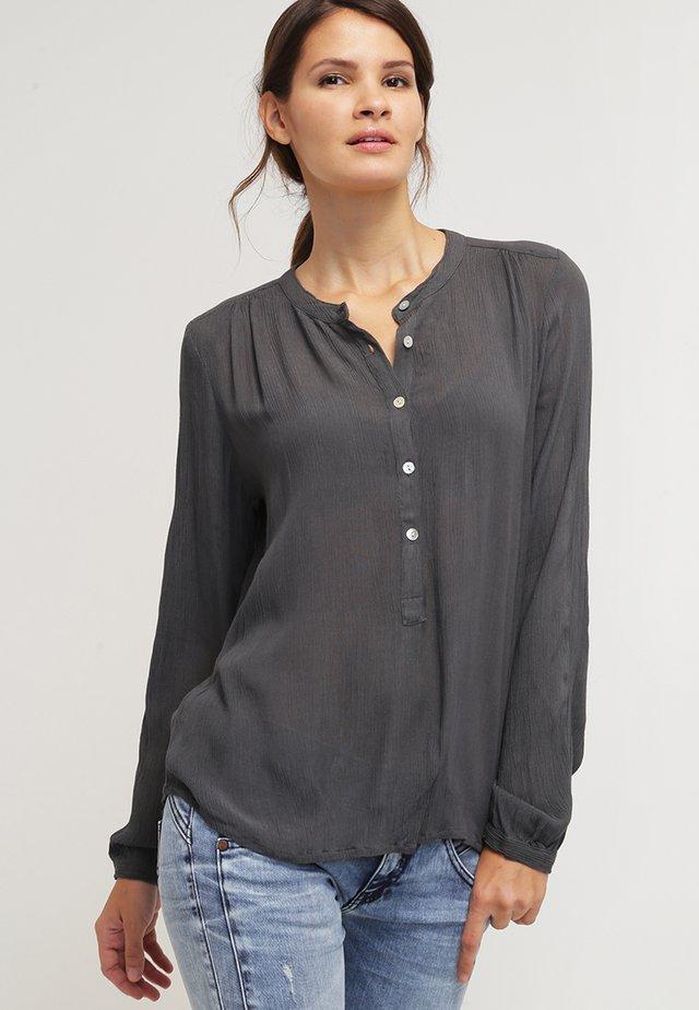 KARLA AMBER SHIRT LS - Bluse - smoked pearl