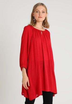 AMBER - Tunic - haute red